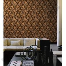 Интерьер Roberto Cavalli обои Emiliana Parati ROBERTO CAVALLI артикул 12056 в интрьере гостиной комнаты в коричнево-бежевых  тонах