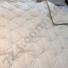 Одеяло Lotus 195х215 SCARLETT